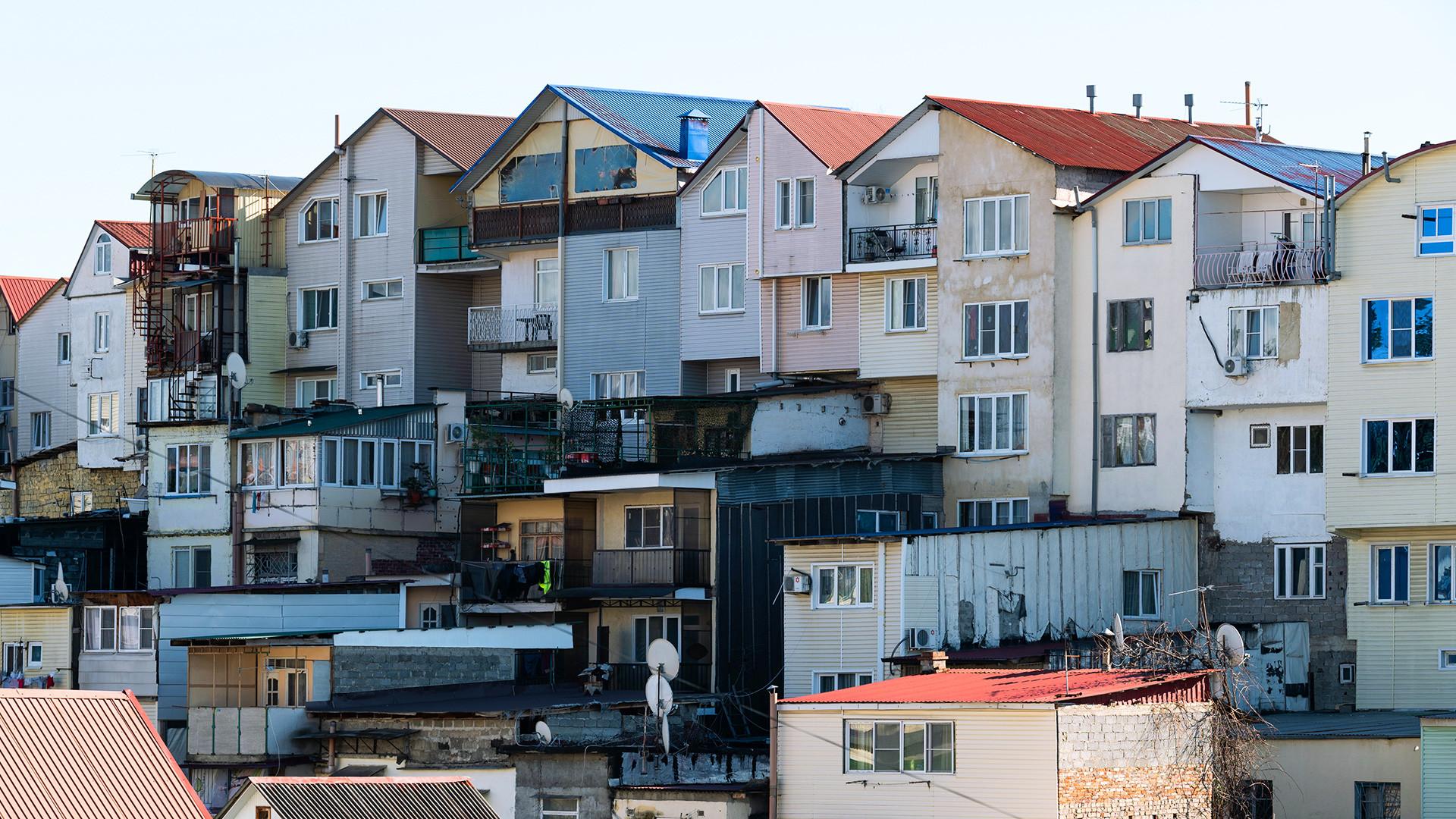 Garajes residenciales en el centro de la ciudad.