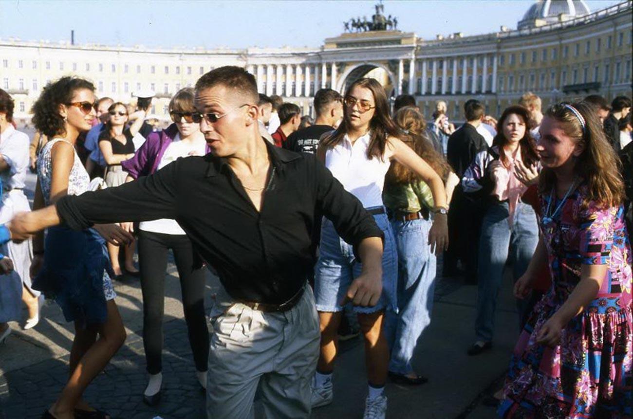 Die Jugendlichen am Palastplatz.
