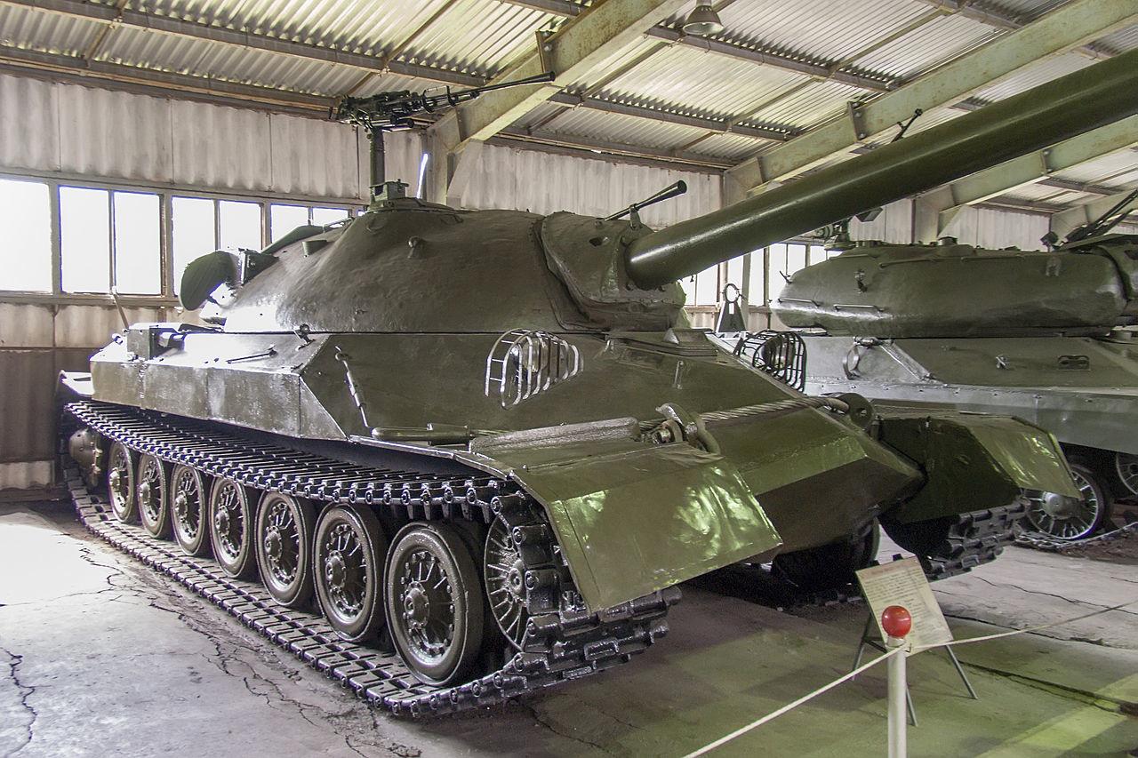 IS-7 v tankovskem muzeju Kubinka