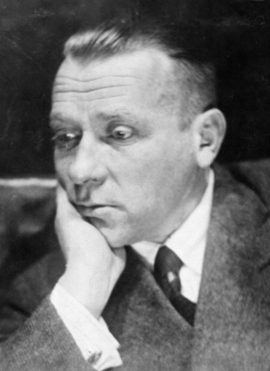 Les autorités soviétiques se sont avérées être la principale raison de la tragédie du sort de Boulgakov.