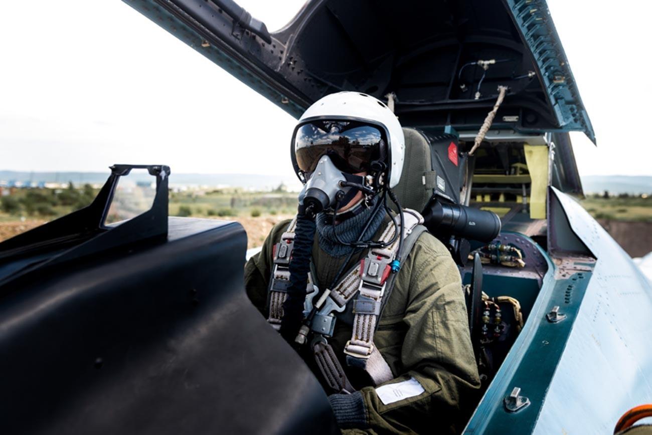 Су-30СМ на 120 посебен мешовит авијациски полк. Работен ден на аеродромот Домна.