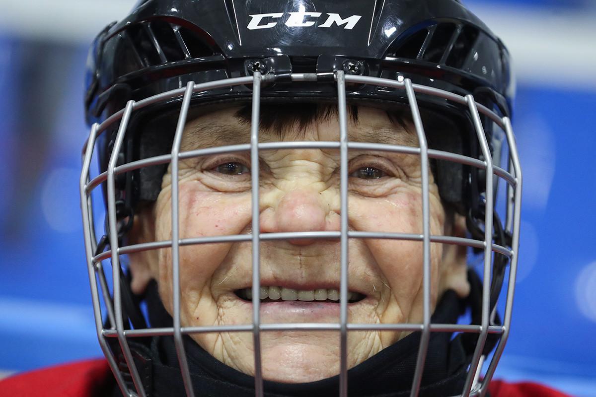 Valentina Fyodorova, kapten tim hoki es perempuan pensiunan pertama Rusia