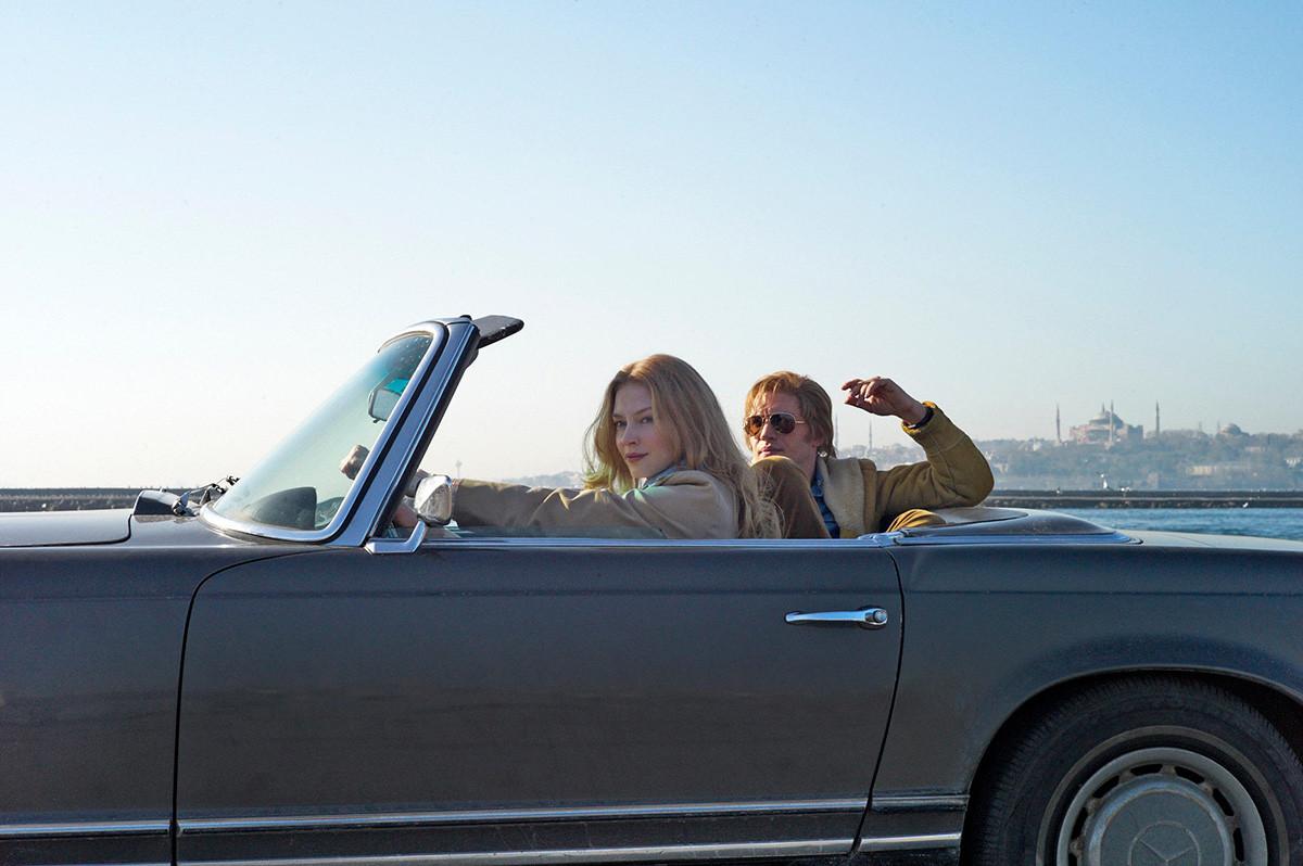 Svetlana Khodtchenkova et Tom Hardy dans le film