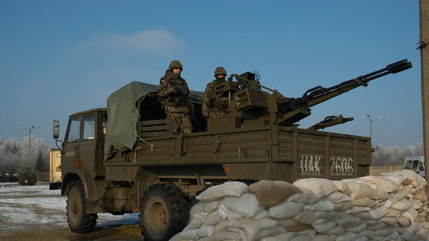 Sistema polaco 'Hibneryt', formado por un cañón AA ZSU-23-2 instalado en un camión Star 266