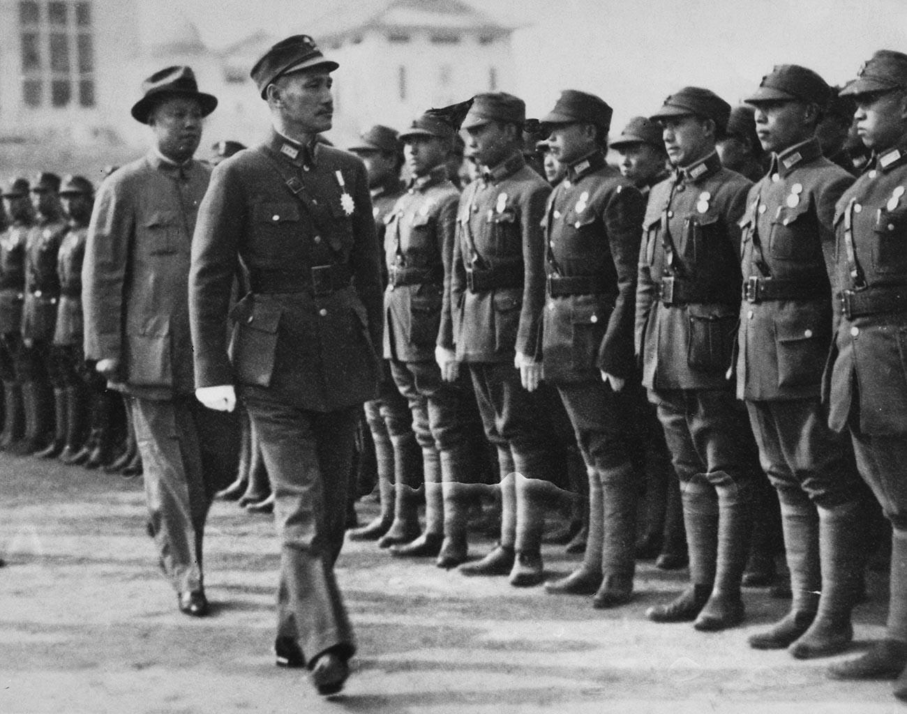 El líder chino Chiang Kai-shek, 1950.