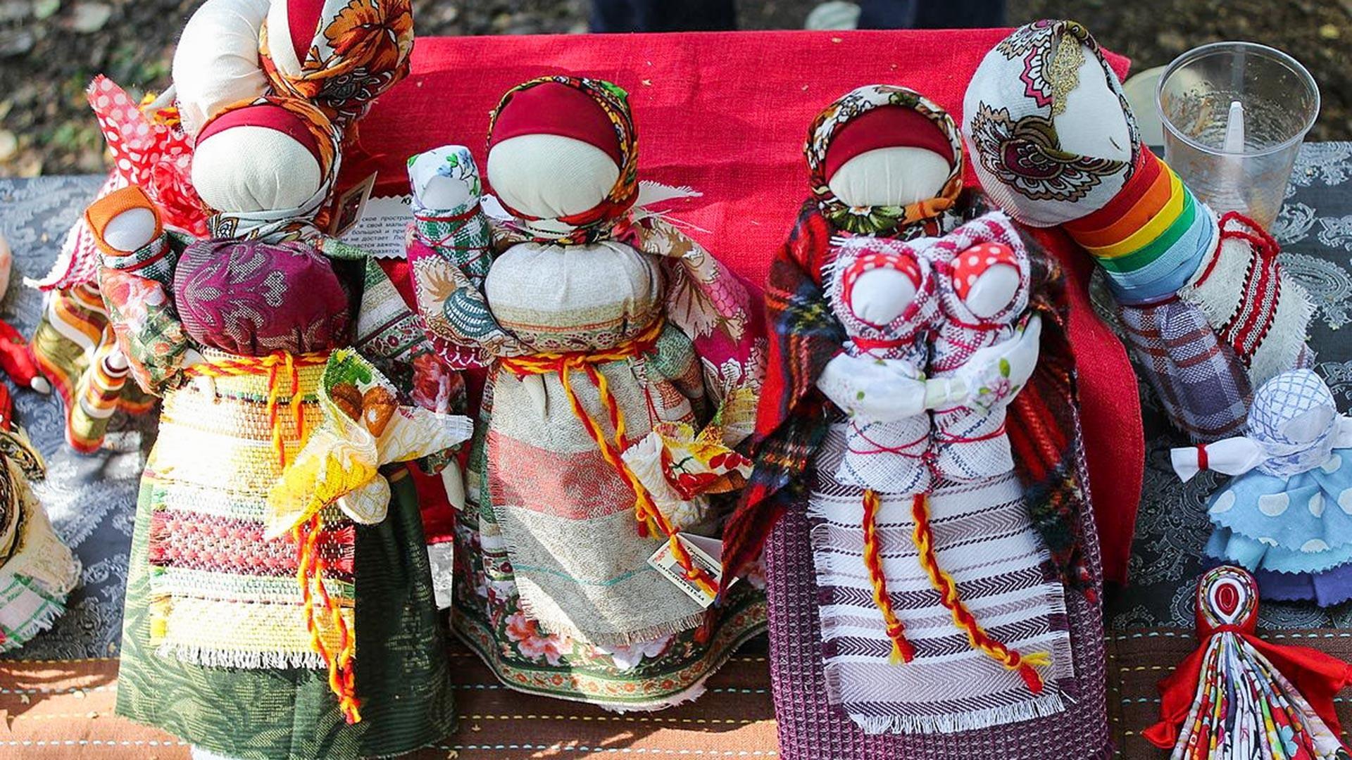 Ruske punčke iz cunj.