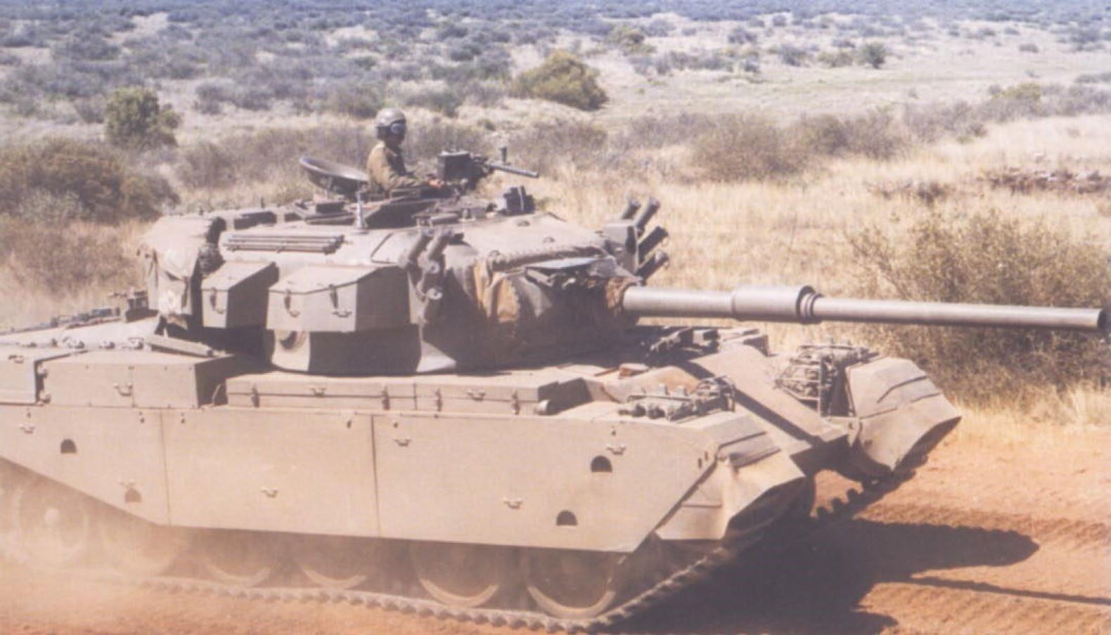 Un Olifant Mk1 sudafricano en movimiento.