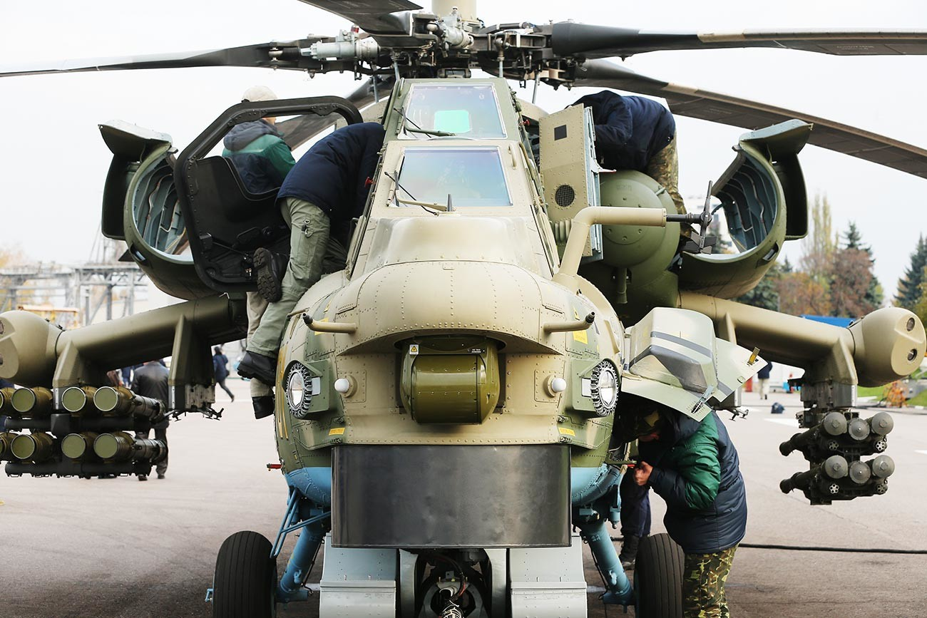 Първият образец на модернизирания вертолет Ми-28Н