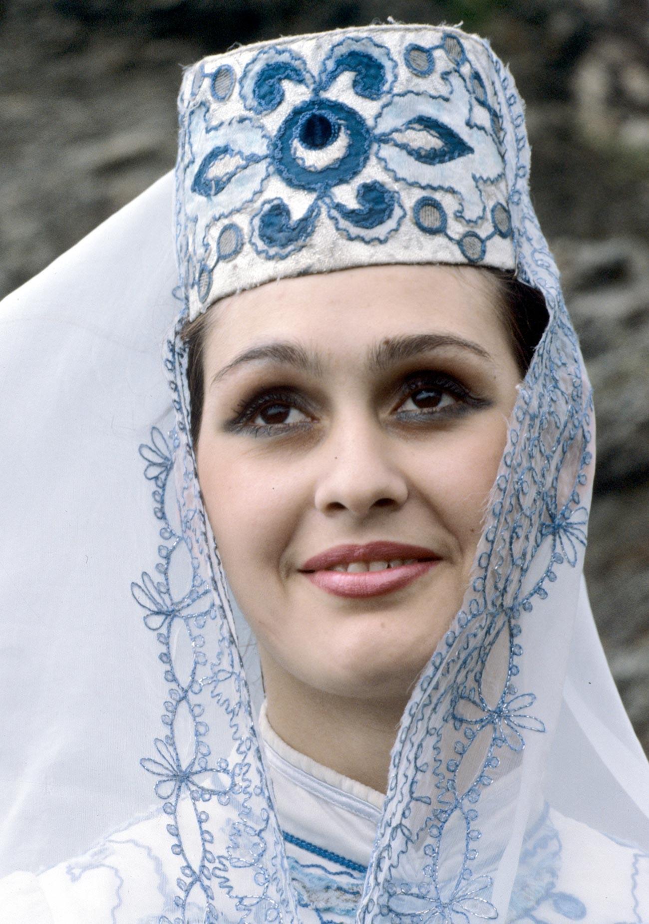 Une femme de la République socialiste soviétique autonome d'Ossétie du Nord