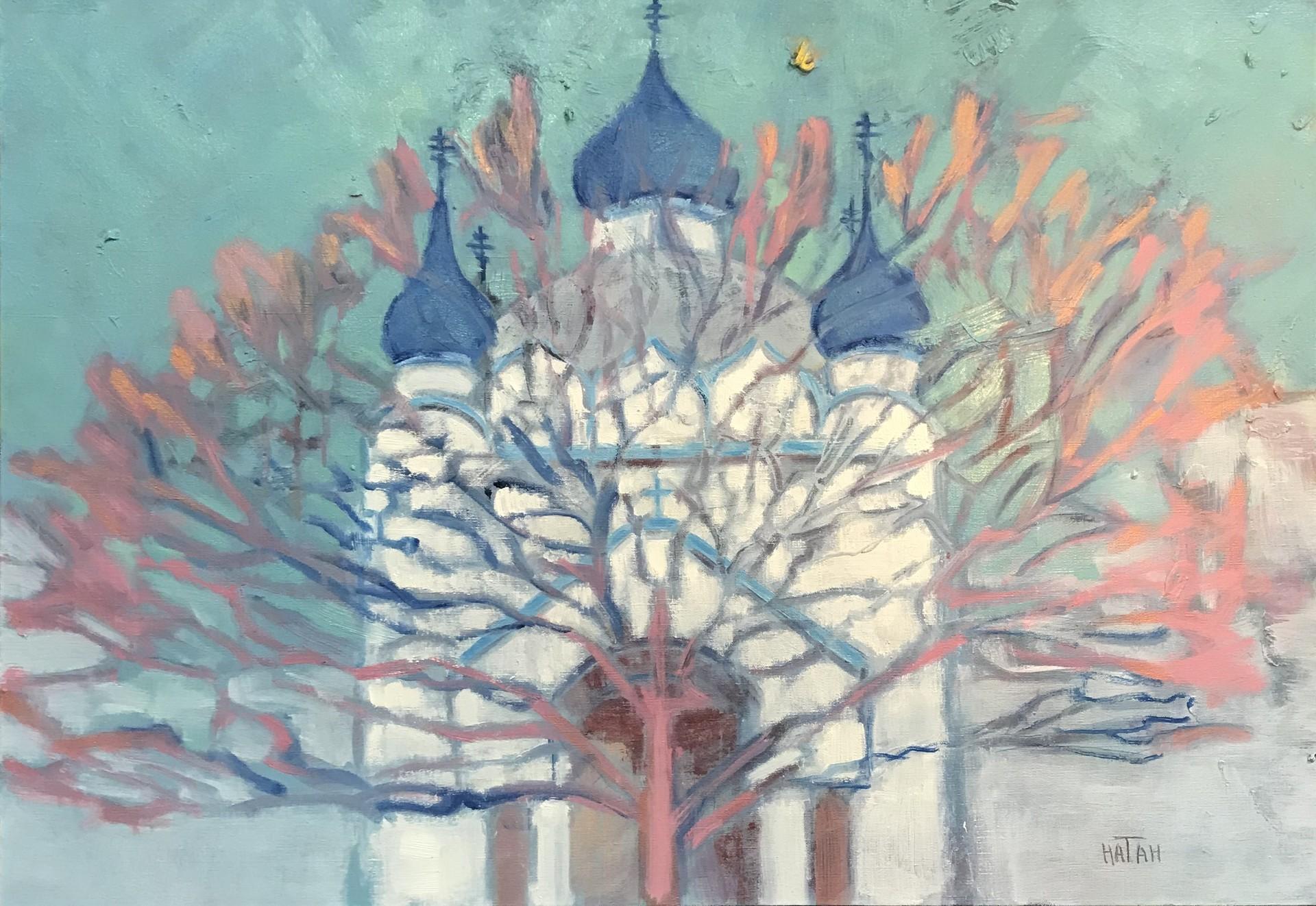 L'arbre de l'exode russe sur fond du temple Alexandre Nevski en Tunisie. Tel que conçu par Natan, il symbolise la diffusion de la culture russe et de l'orthodoxie dans le monde par les émigrants russes de la première vague.