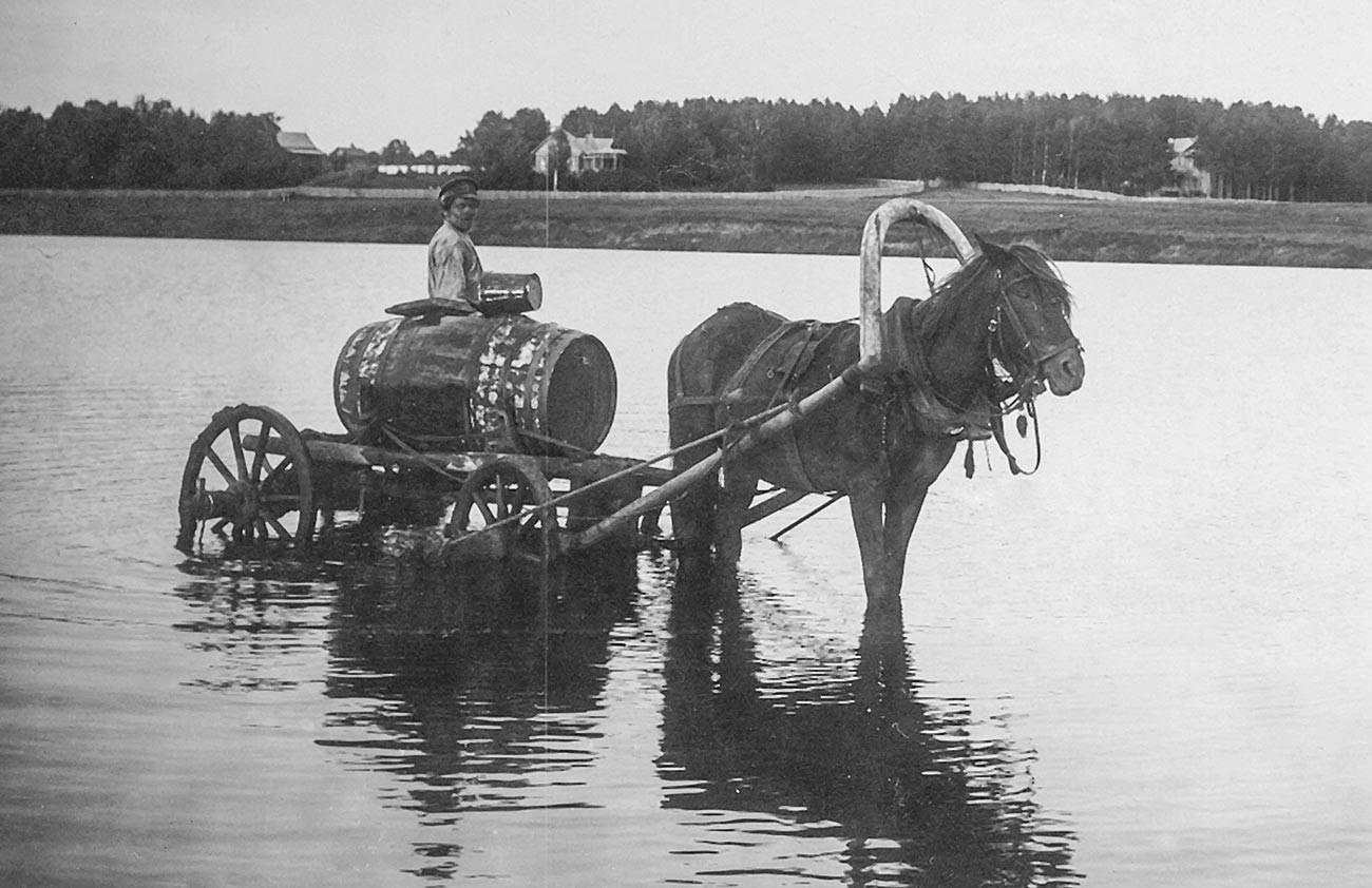 Transportador de água.