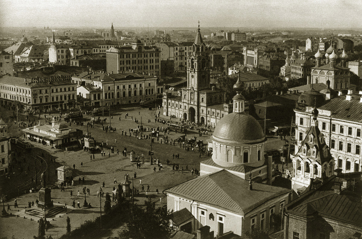 The Strastnoy Monastery and adjacent square in the 1920s. The statue of Pushkin on the other side of the square would be moved to where the monastery once stood.
