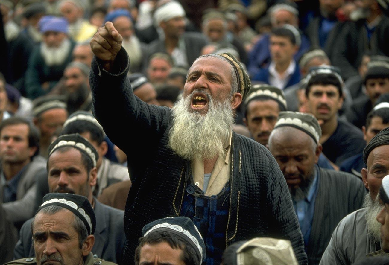タジキスタンの独立を求めるデモにて