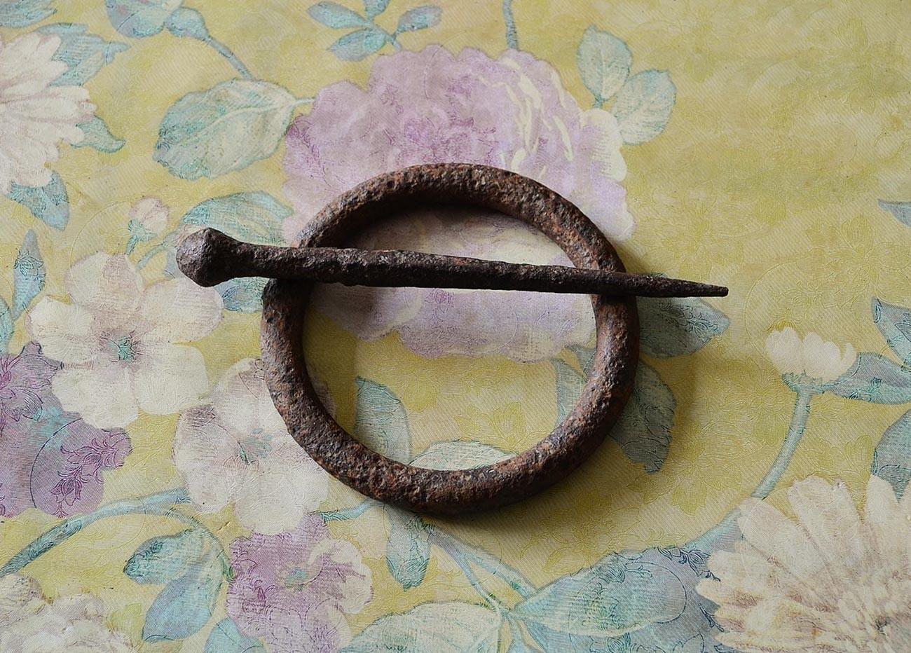 Cincin dan tongkat untuk bermain svayka.