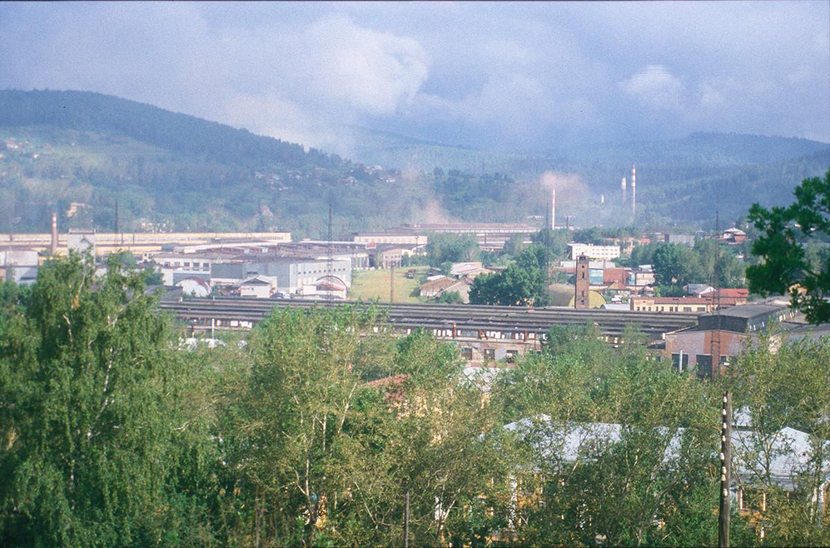 Zlatoúst. Panorama de la fábrica desde la colina de Urenga. 16 de julio de 2003.