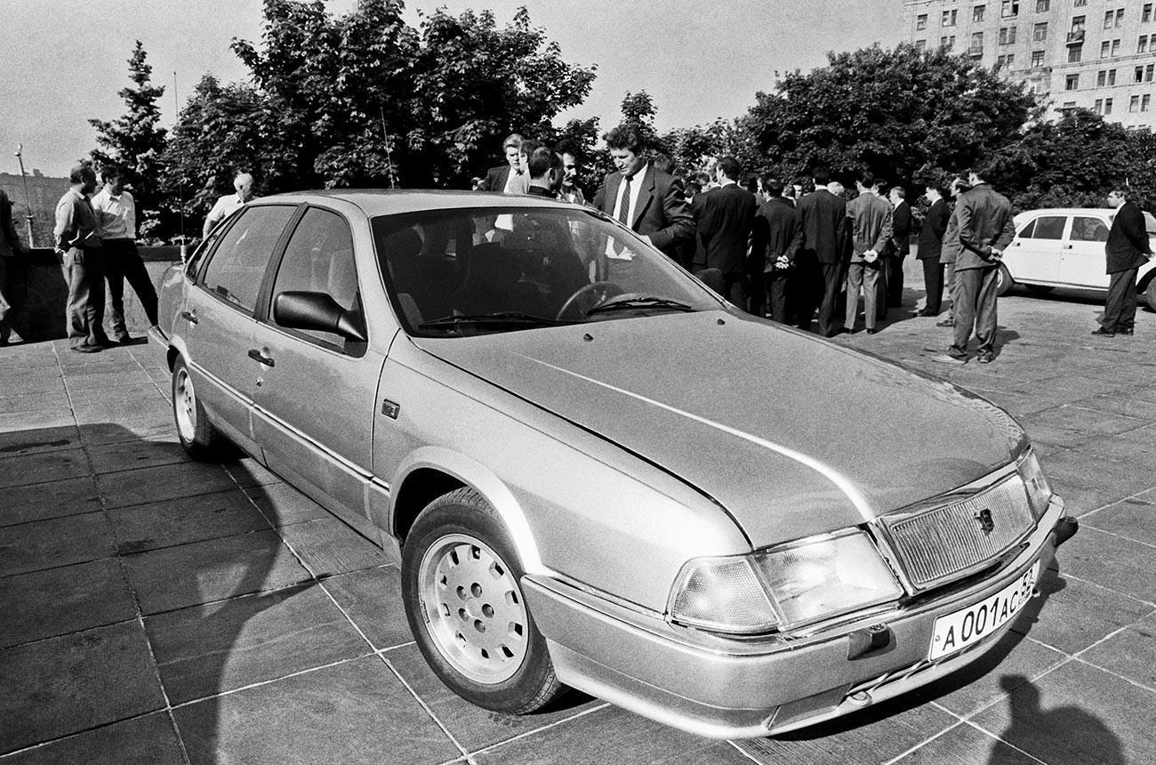 Novi model osebnega avtomobila Volga GAZ-3105