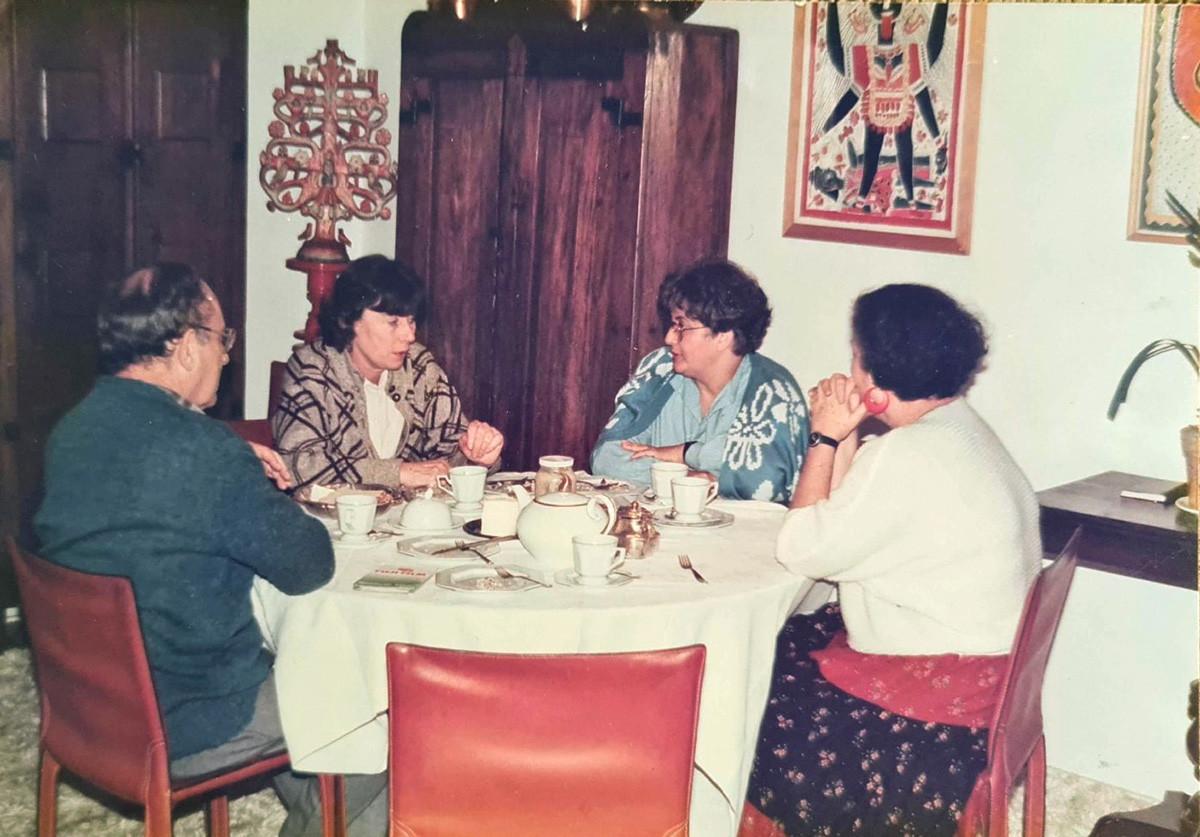 Boris Schnaiderman, Klara Gourianova, Elisabet Moreira e Jerusa Pires Ferreira. 1986, São Paulo.
