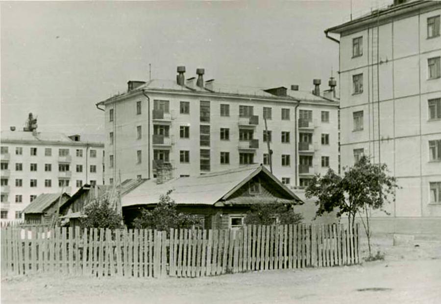 Rumah tua dan modern, Cherepovets.