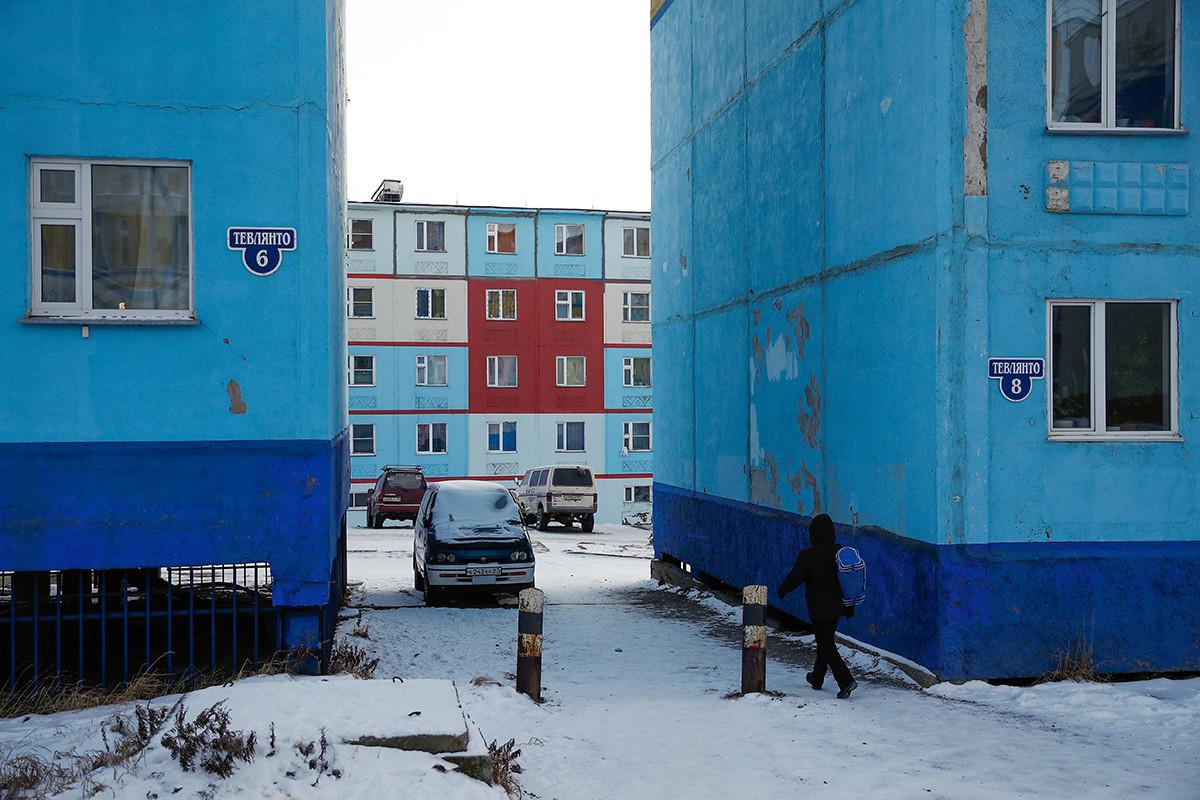 Bangunan hunian bertingkat di Anadyr, Chukotka.