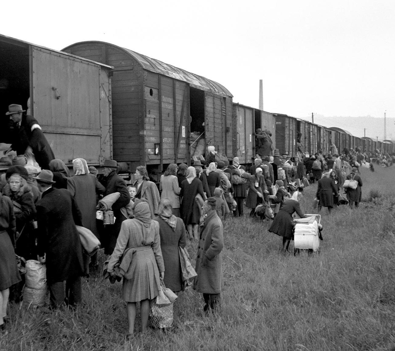 Orang-orang Jerman yang hendak dideportasi.