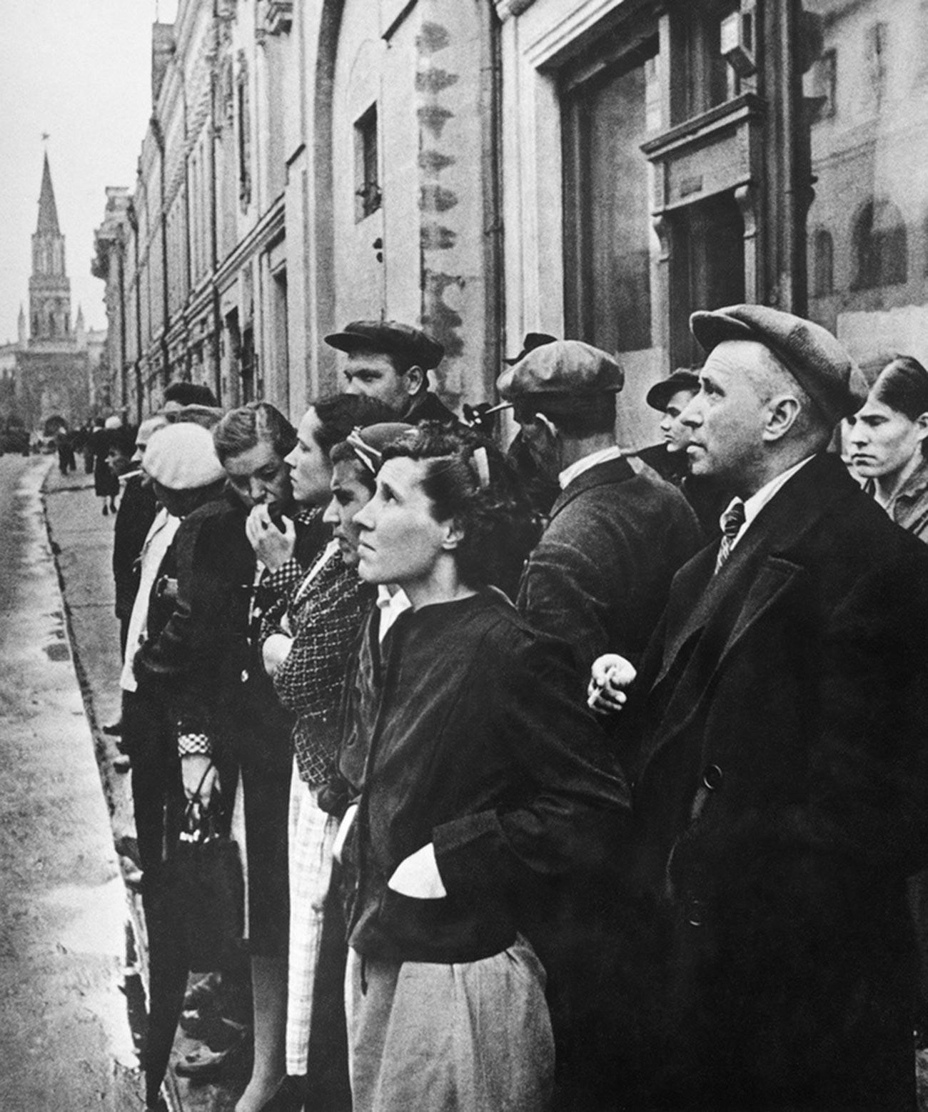 Annonce du début de la guerre à Moscou