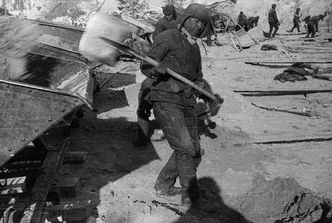 Gefangene beim Bau des Weißmeer-Ostsee-Kanals.