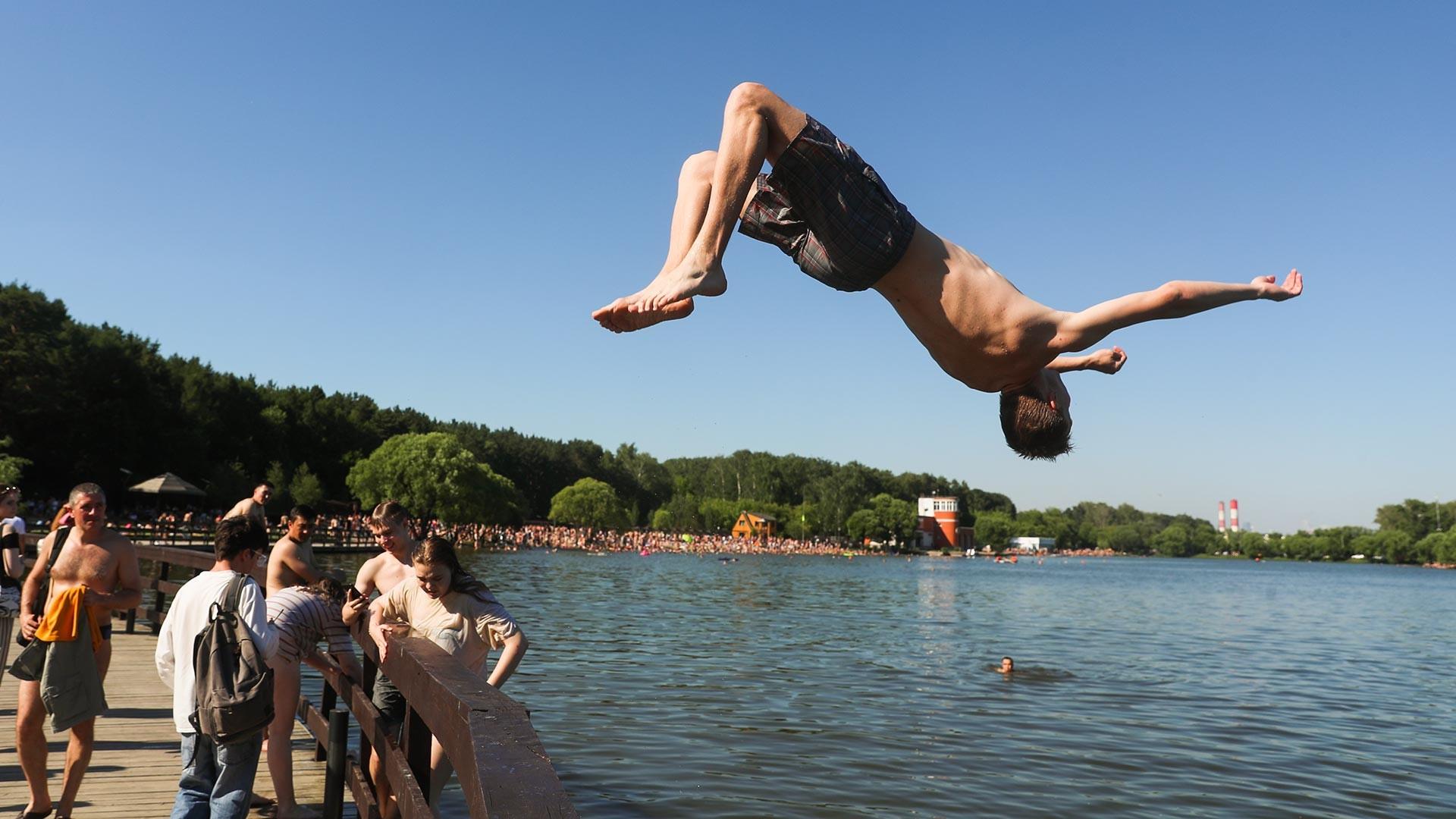Meshchera Lake in Moscow.
