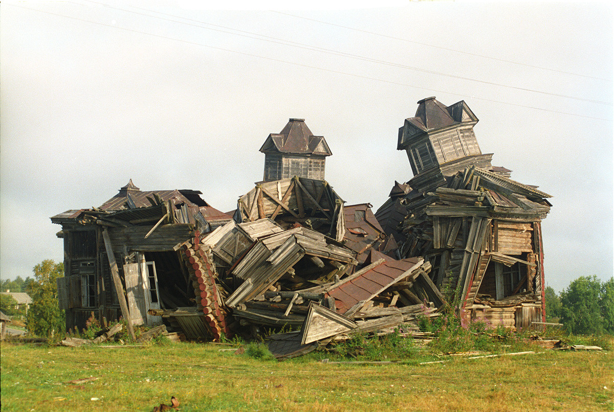 Ruins of Church of Tikhvin Icon of the Virgin, southeast view. August 28, 2006
