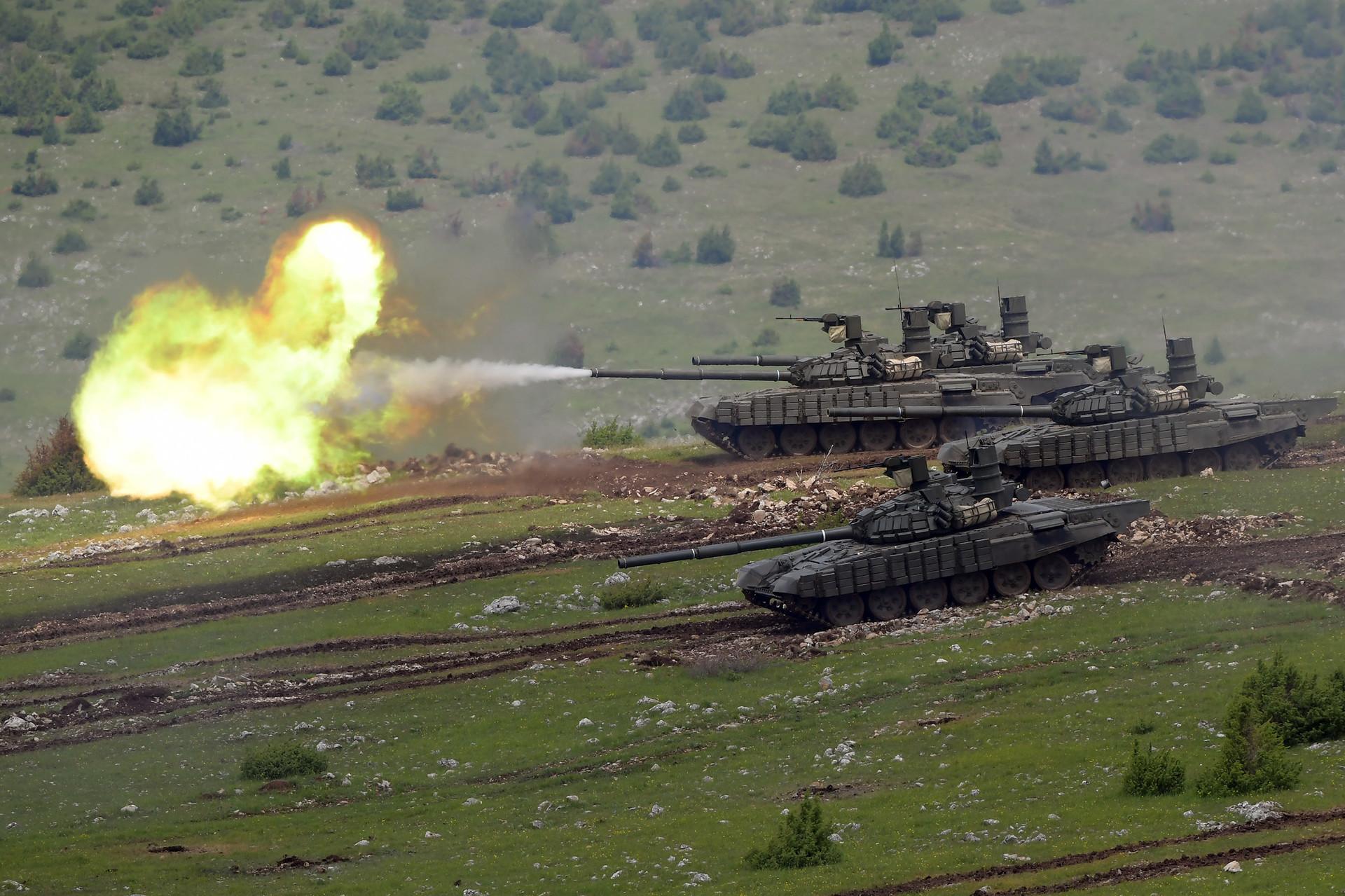 Модернизовани основни борбени тенкови Т-72Б1МС