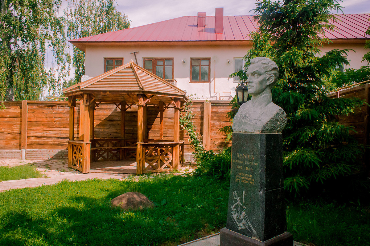 A monument to Nadezhda Durova at her estate in Yelabuga, Tatatstan, where she spent last years of her life