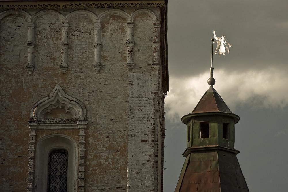 Le monastère a été fondé par des moines de Novgorod, Fiodor et Pavel, en 1363.