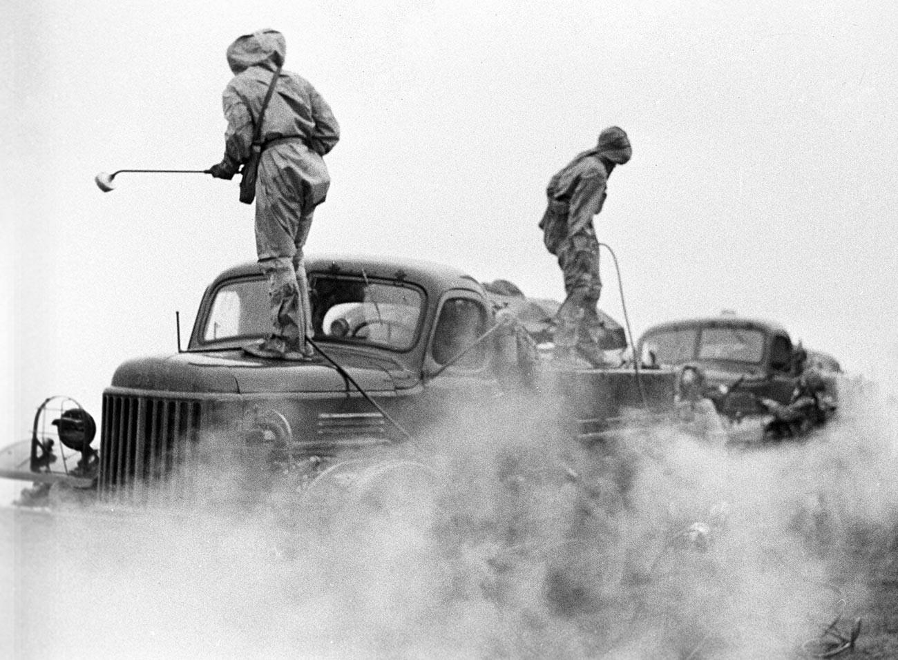 Exercícios das tropas soviéticas de defesa radiológica, química e biológica