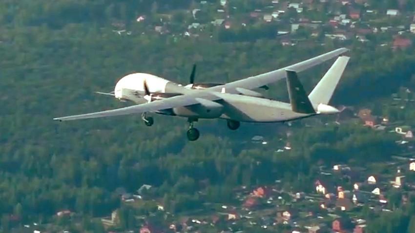 "Беспилотна летелица великог долета ""Алтијус""."