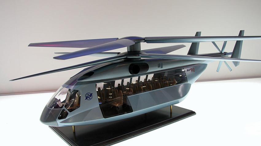 Un modelo de helicóptero Kamov Ka-92 expuesto en la exposición HeliRussia 2009.