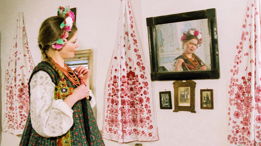 """Poltava, Repubblica Socialista Sovietica Ucraina. 1 febbraio 1984. Uno spettacolo basato sul racconto """"La notte prima di Natale"""" di Nikolaj Gogol"""