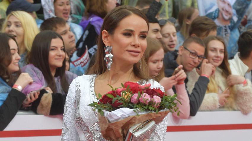Penyanyi Rusia Aiza Anokhina