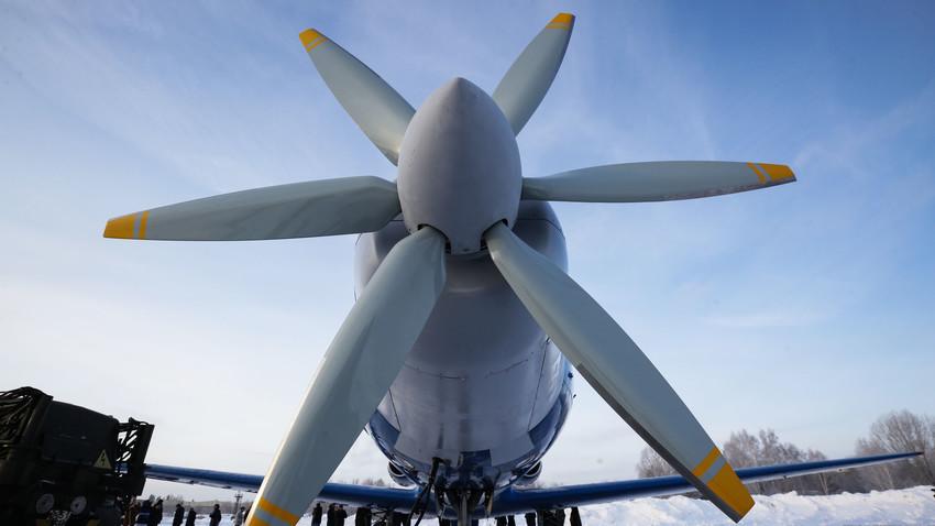Lo Yak-40LL con motore elettrico