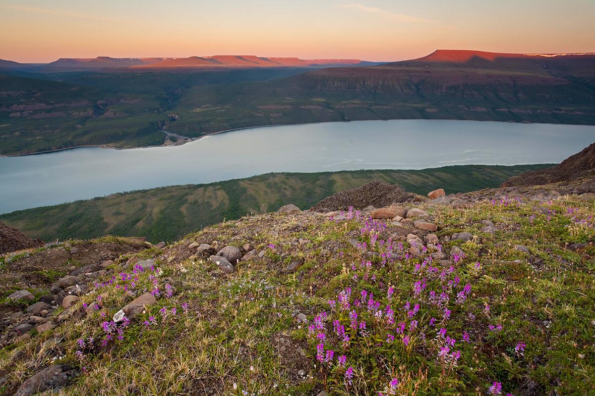 Lac Kharpitcha, sur le plateau de Poutorana