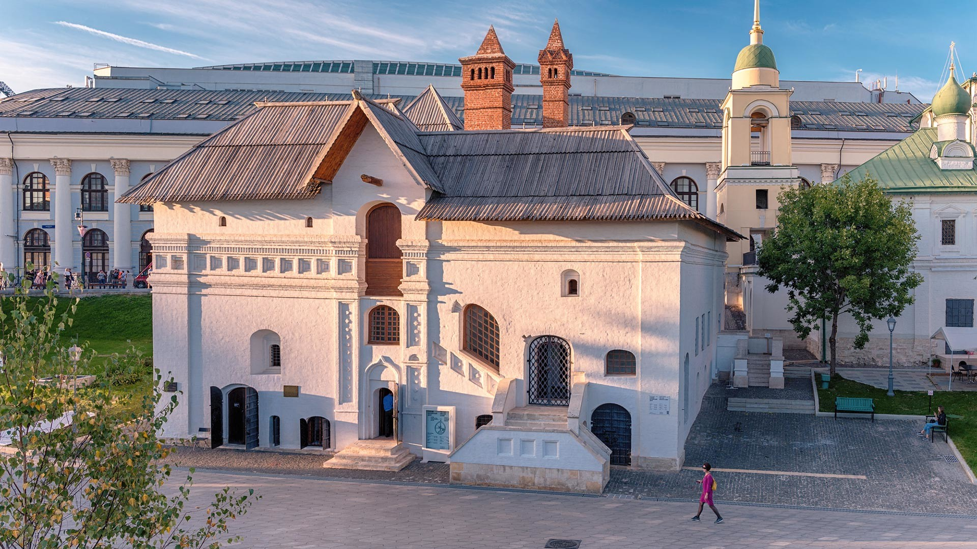 The building of the 'Old English Yard' as seen from Zaryadye park.