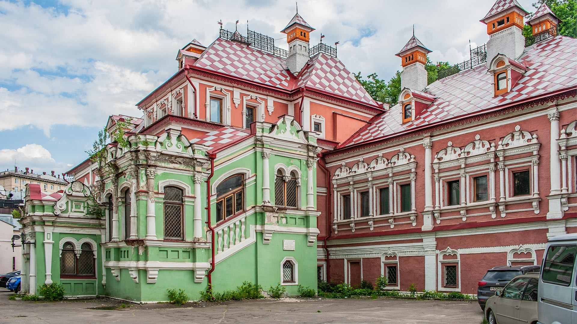 Istana Volkov-Yusupov.