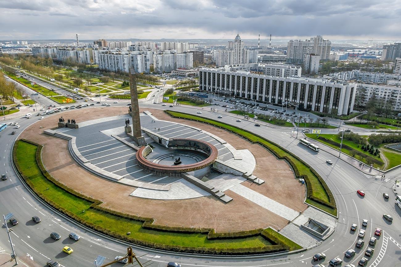 Площадь Победы в Санкт-Петербурге.