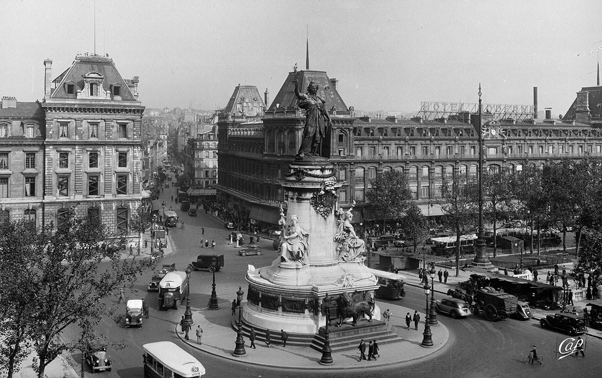 Place de la République à Paris, 1930