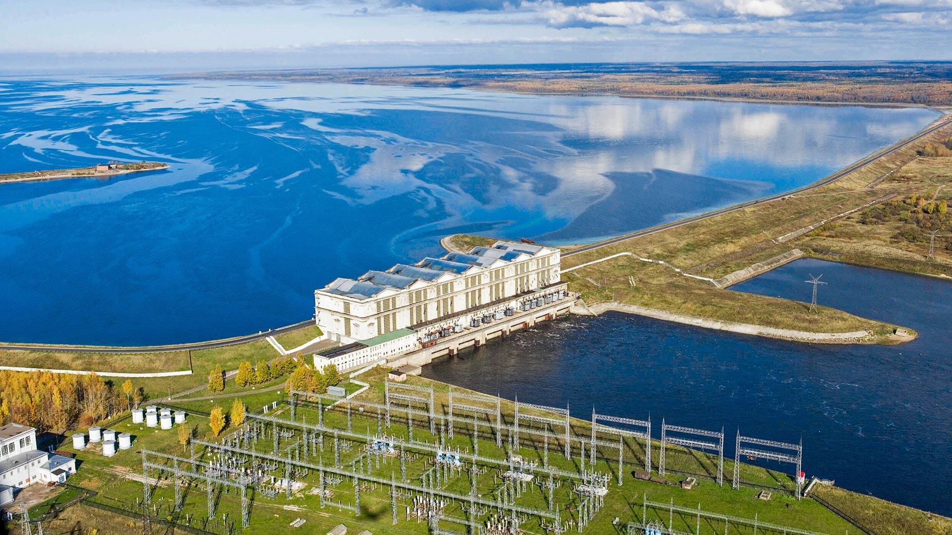 Рыбинская ГЭС.