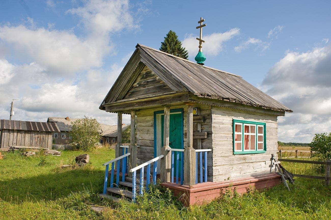 Fominskaja. Kapela čudežne ikone Odrešenika po obnovi v začetku 2000-ih. 14. avgust 2014