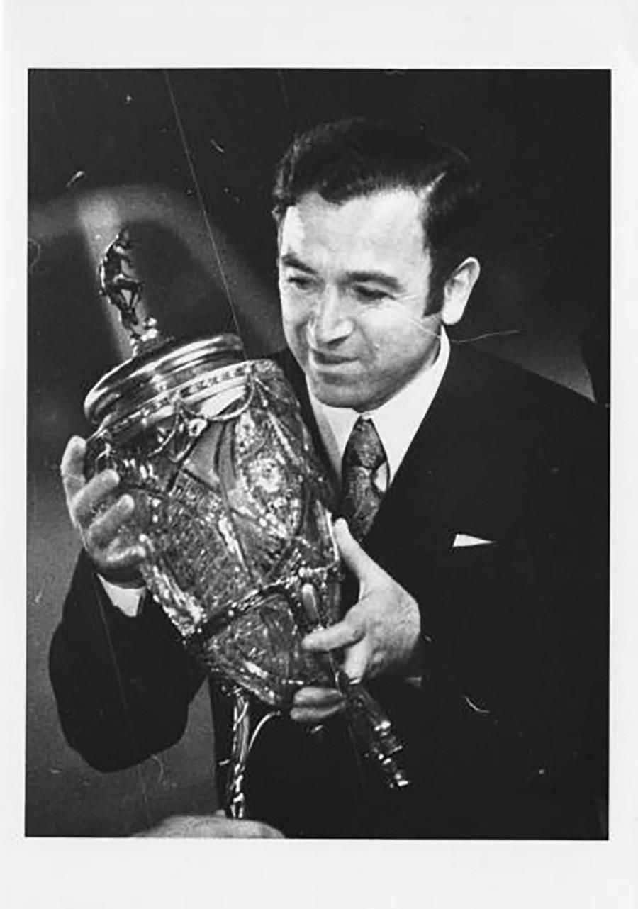 Prêmio do campeonato nacional de futebol feito com vaso