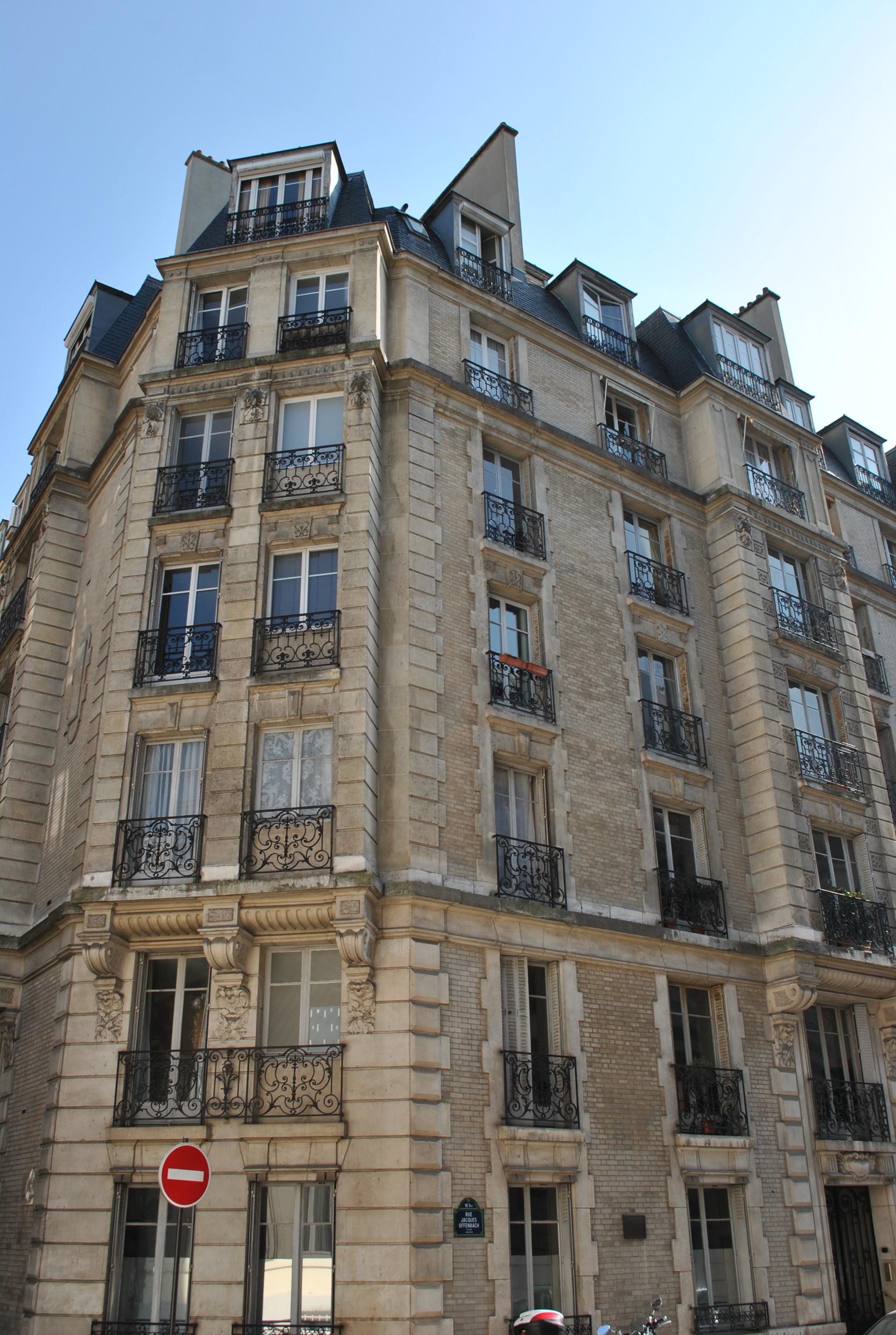 Le bâtiment dans lequel le premier prix Nobel russe dans le domaine de la littérature a vécu à Paris
