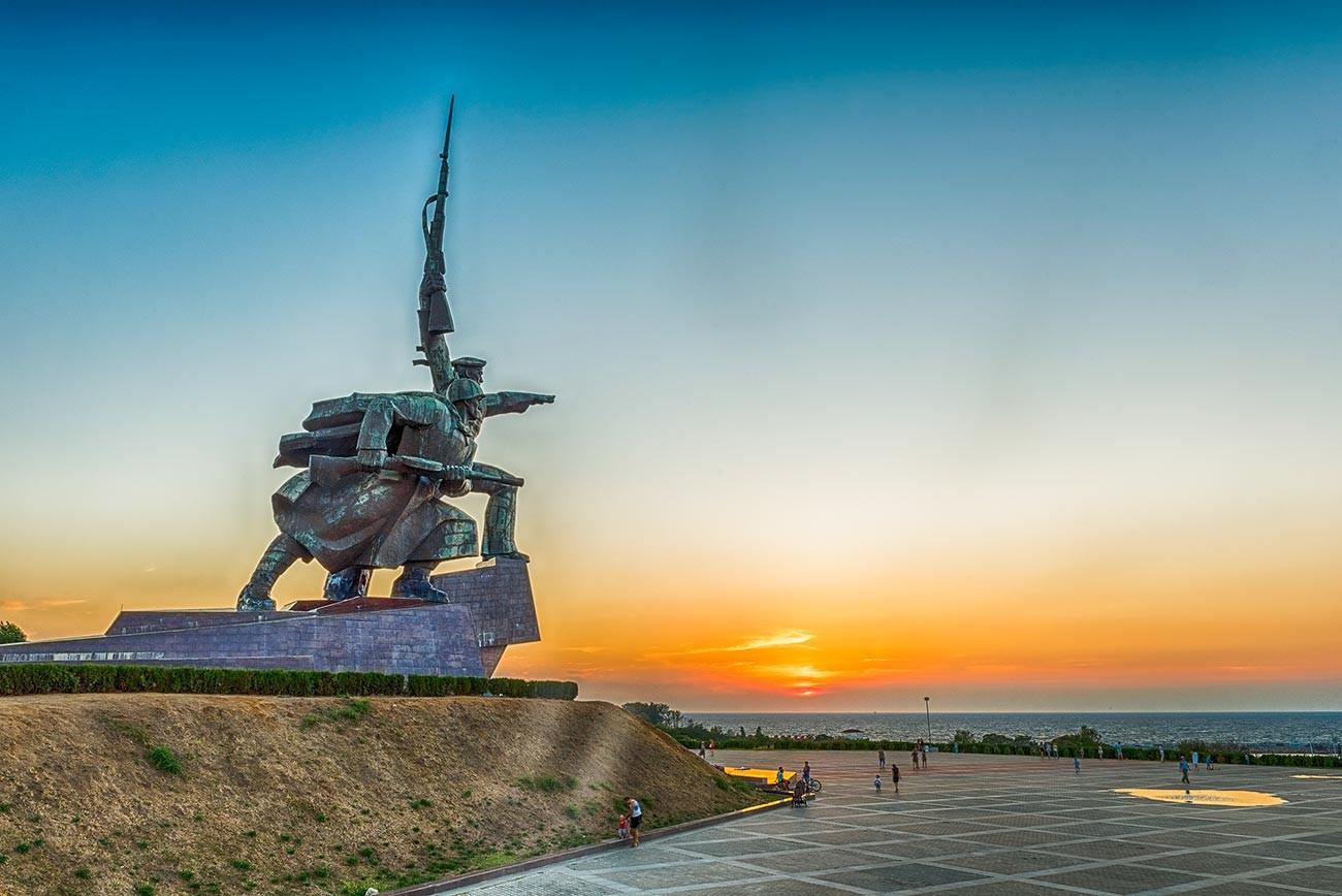 "Denkmal ""Soldat und Matrose"" in Sewastopol."