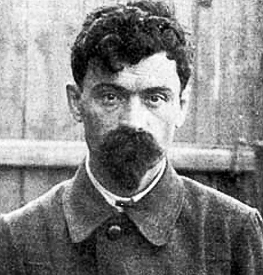 Iákov Iuróvski, o comandante da Casa da Proposta Especial, executou a missão de exterminar a família imperial