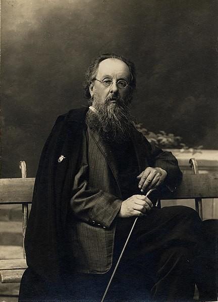 Konstantín Tsiolkovski en 1924.