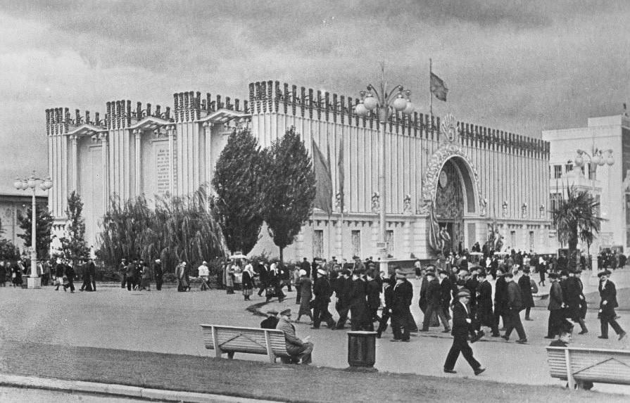 Il Padiglione della Repubblica Socialista Sovietica Ucraina in una foto del 1939-40